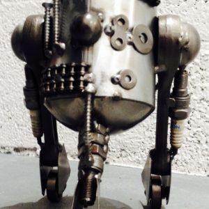 Sculpture imitative d'un Robot