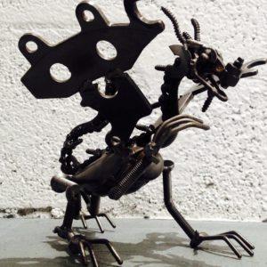 Sculpture imitative d'un Dragon de métal