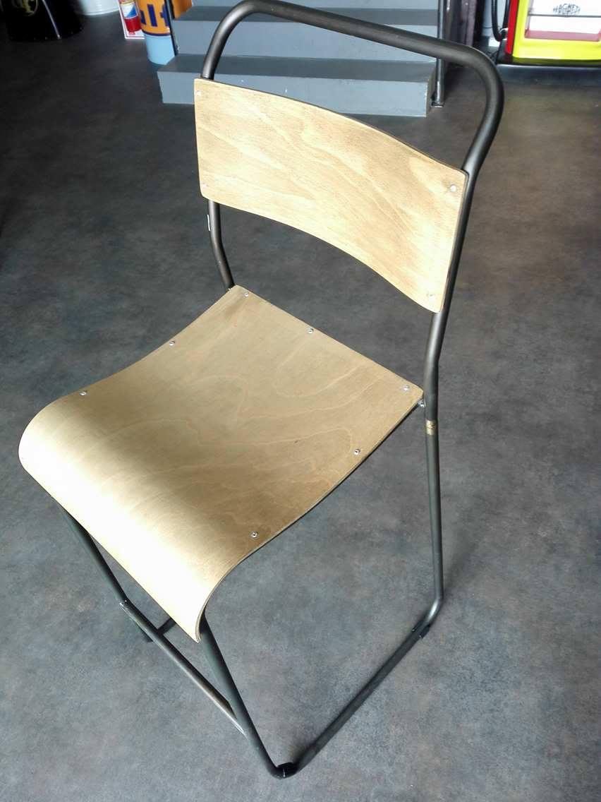 chaise haute en bois clair simfactory. Black Bedroom Furniture Sets. Home Design Ideas