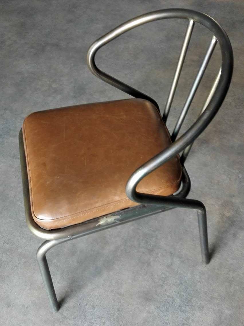 Chaise En Fer Et Cuir
